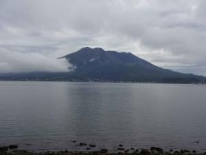 雨模様の中、奇跡的に桜島を拝むことができました。